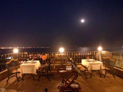 romantic-hotel-istanbul_030320091607013978